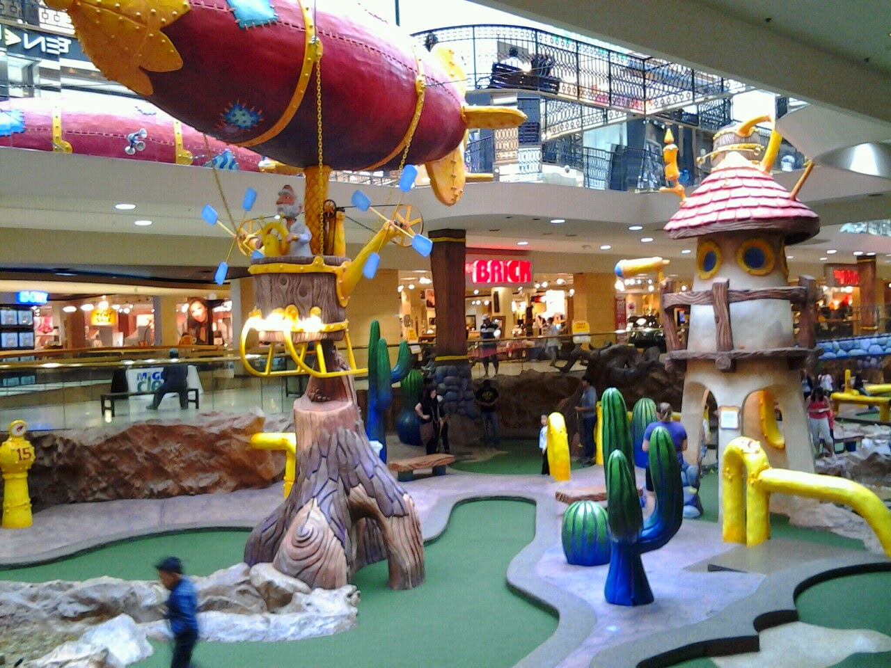 West Edmonton Mall mini golf