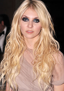 how to get taylor momsen hair color