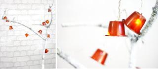 Upcycling Idee: Lichterkette aus gebrauchten Kaffeekapseln.