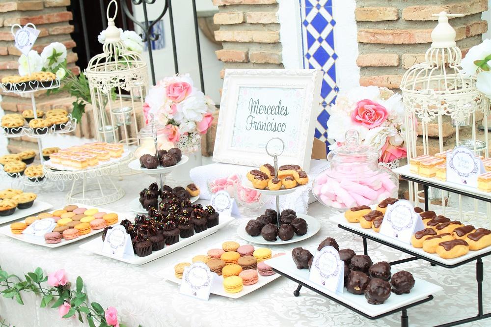 Mesa dulce para una boda rom ntica tarta chic - Mesa de dulces para bodas ...