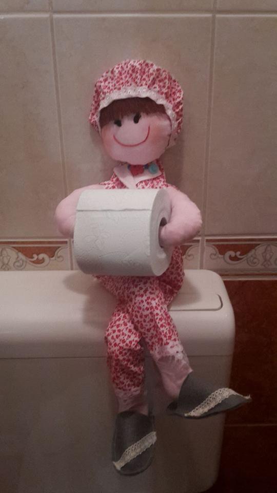Panninéni a vidám toalettdísz