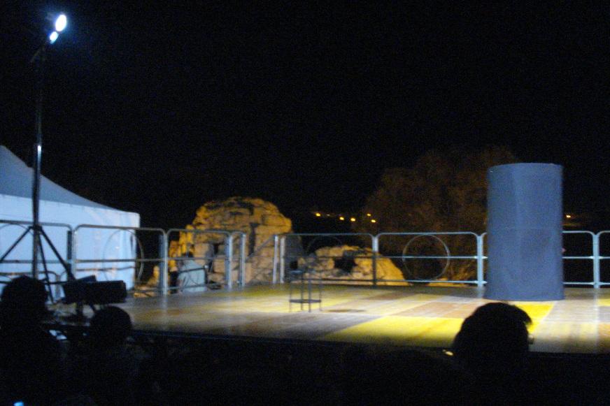 Ragusa turismo teatro di pietra sicilia le fatiche di ercole al bagno arabo di mezzagnone in - Il bagno teatro ...
