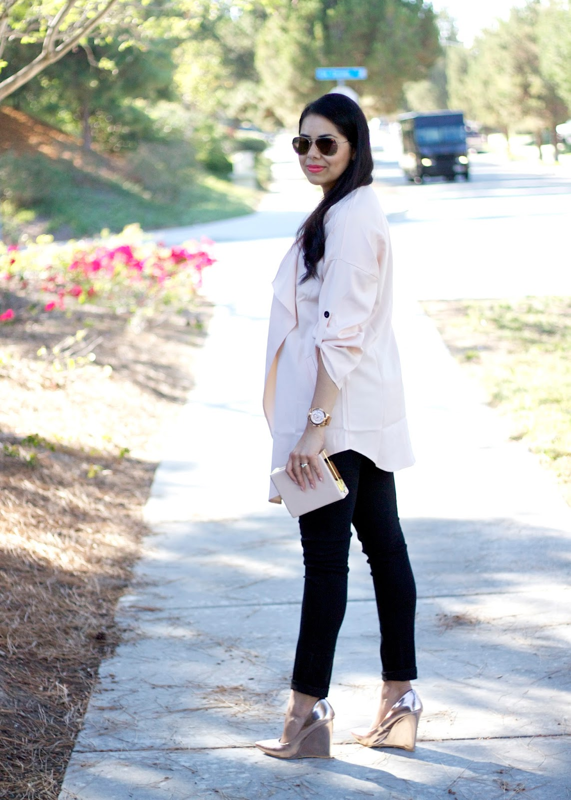 Layed trench Summer, gold wedge heels, gold pointed heels, rose gold wedge heels, shoedazzle blogger
