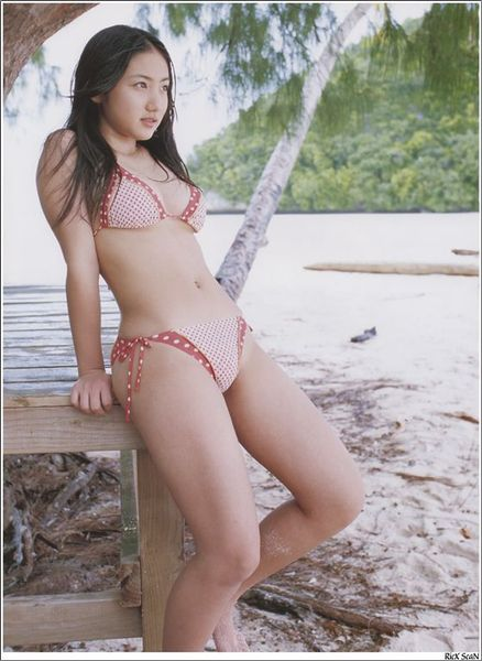 saaya irie alluring and seductive photo 04