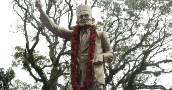 essay on veer savarkar in marathi Swatantryaveer savarkar essays beautiful essay, my best friend essay in marathi language, andhashraddha in marathi essay on funeral sari essayah puolison liberty.