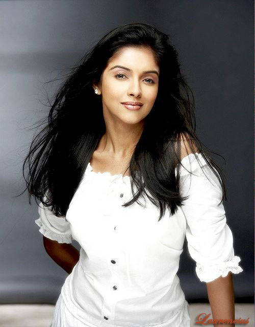 Foto-Asin-Thottumkal-Arttis-Seksi-Bollywood_3