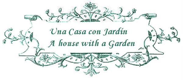 una casa con jardín/a house with a garden