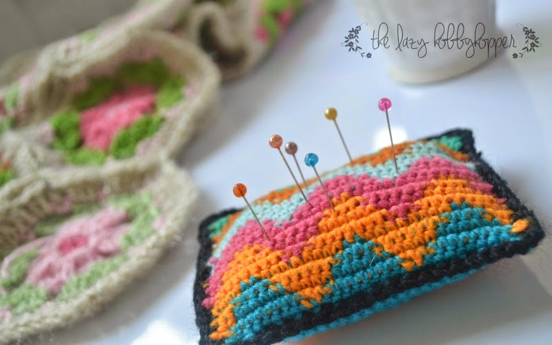The Lazy Hobbyhopper: Pincushion - Tapestry crochet