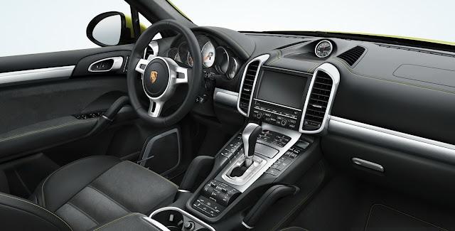 2013 Porsche Cayenne interior