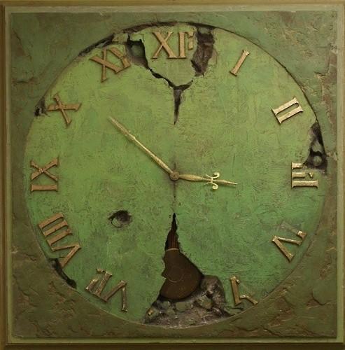 reloj de pared envejecido verde