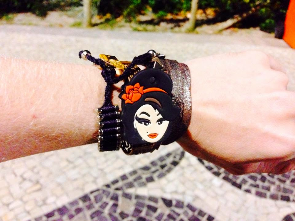 Pulseira Amy Winehouse by @sosiaamy