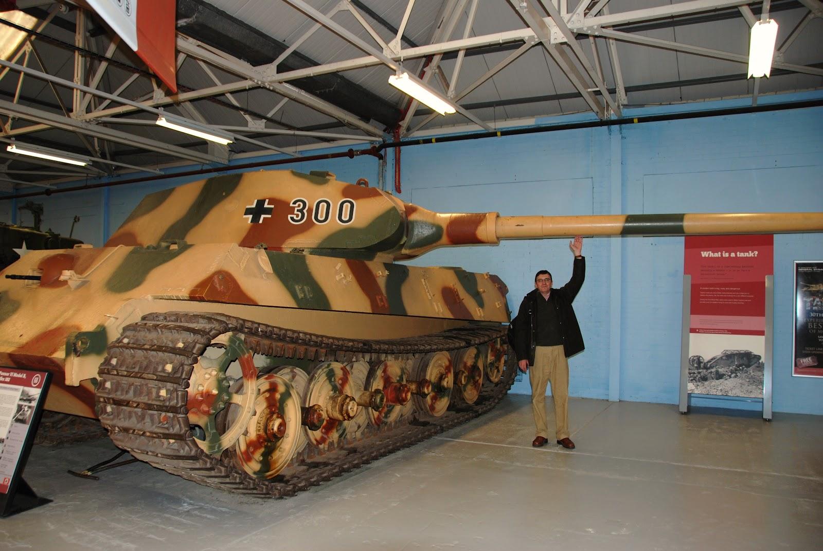 http://1.bp.blogspot.com/-Pt71KvOg-lM/T6WNxc8Cw1I/AAAAAAAAAC4/USDaR_qFjMs/s1600/WWII_Tiger_II_02.JPG
