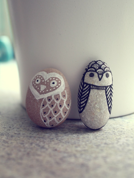 Creative ways to use pebbles