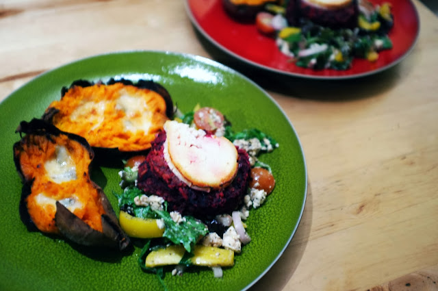 Baked sweet potatoes with gorgonzola, beetroot burger with goat's ...