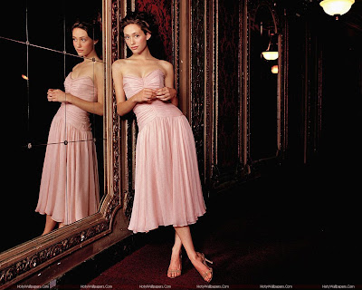 Emmy Rossum Wallpaper in Pink