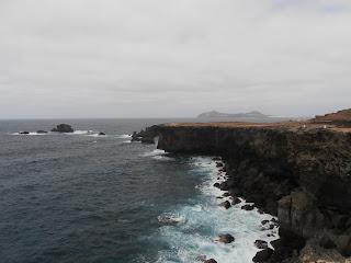 acantilado sobre el mar