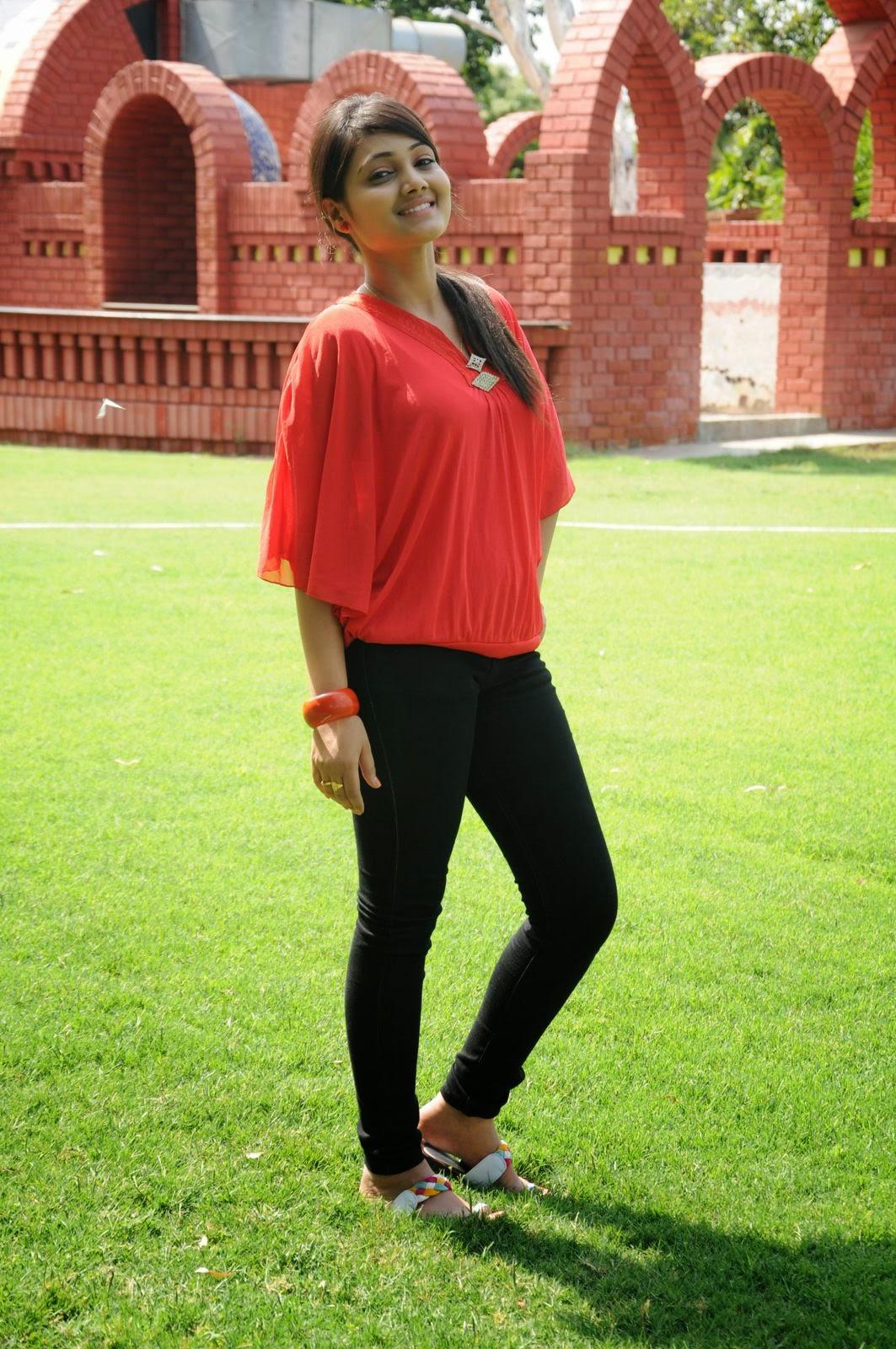 Priyanka glamorous photos-HQ-Photo-30