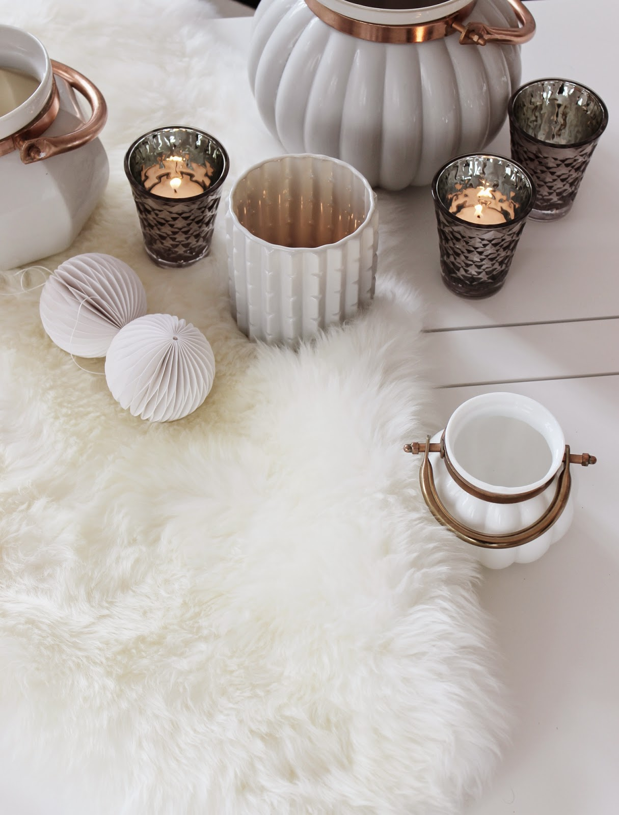 wohnidee24 sch n ist was gef llt gem tlichkeit zieht ins wohnzimmer ein. Black Bedroom Furniture Sets. Home Design Ideas