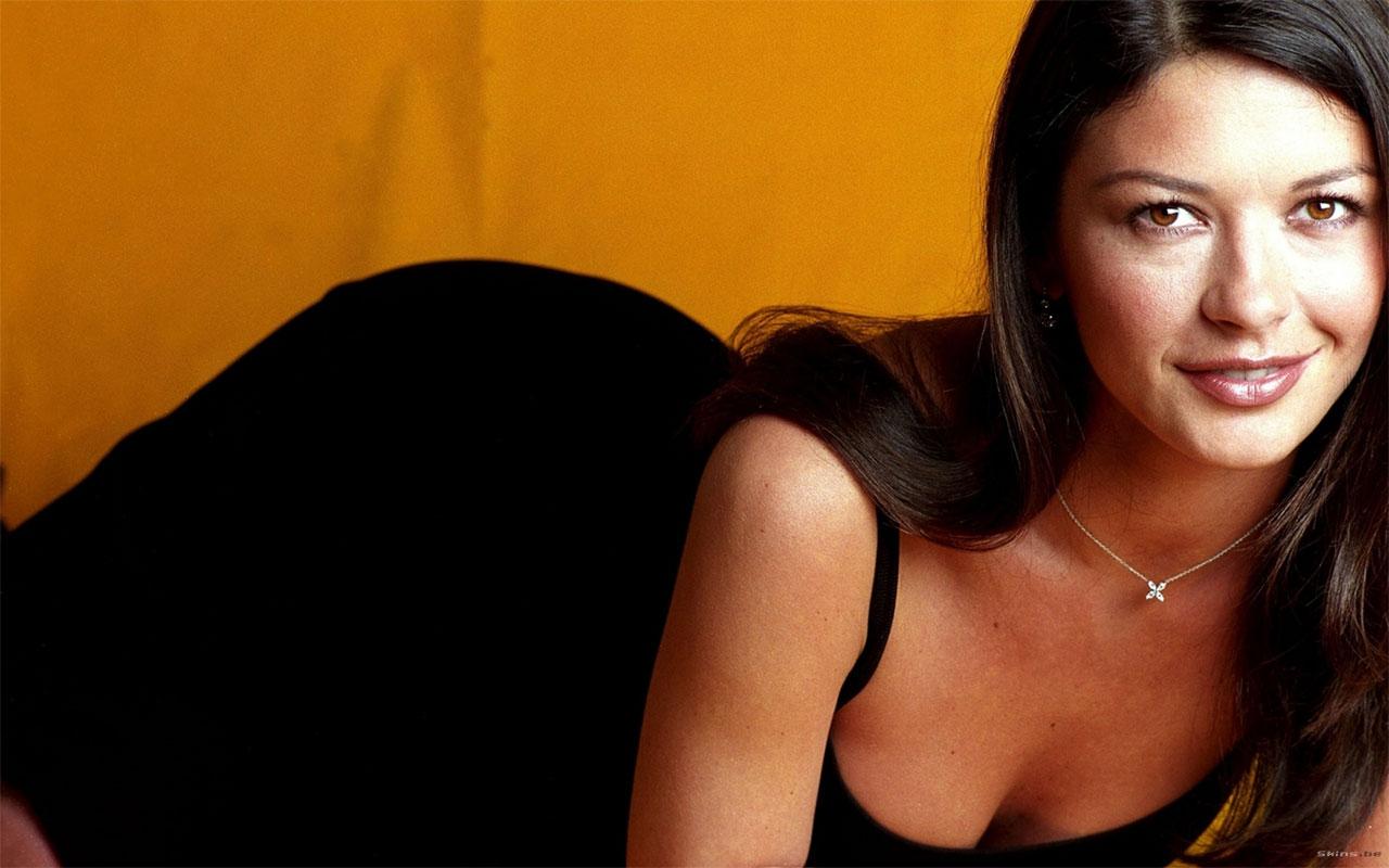 http://1.bp.blogspot.com/-Pu4Qmtzxljw/TaEUhaJ-qUI/AAAAAAAABj0/fMafyv6QJtc/s1600/Catherine+Zeta+Jones+%25285%2529.jpg