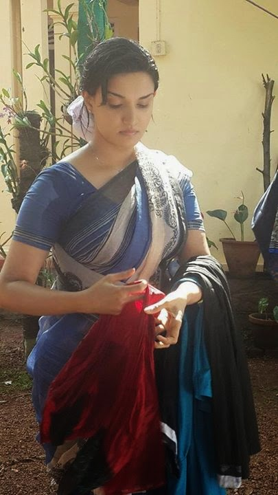 Honey Rose New Saree Pictures form Facebook Latest Posts ...