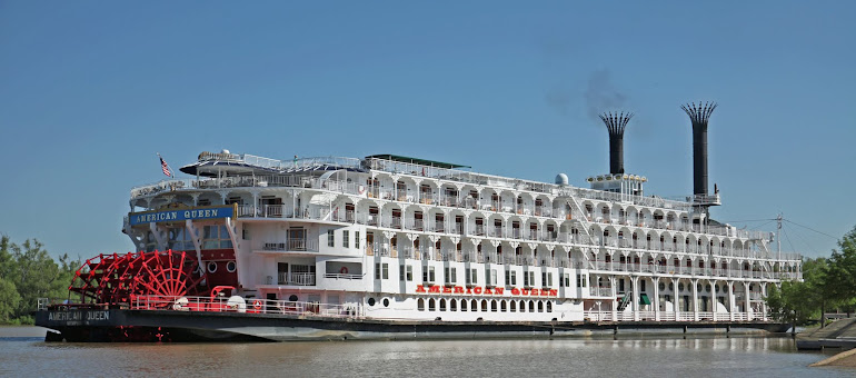 American Queen docked at Vicksburg