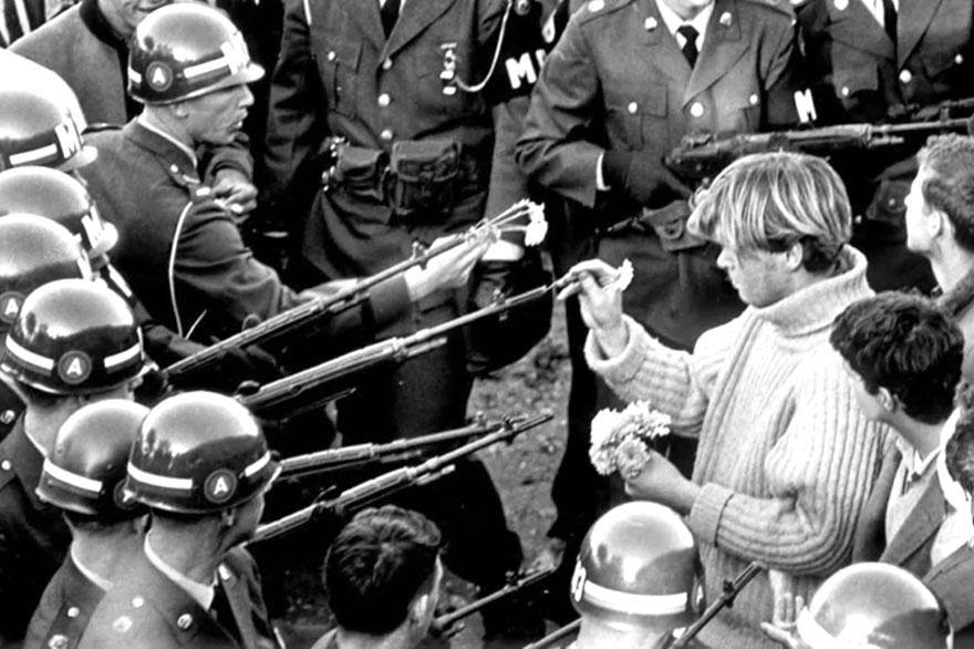 30 of the most powerful images ever - Flower power