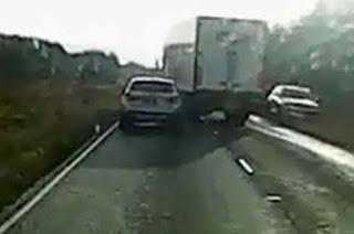 lori himpit kereta, lori memotong