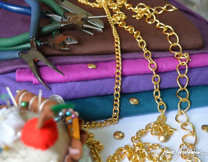 Colar com tecido, tecido, patch, hand, craft, trabalho, artesanato, arte, Jana Acessórios