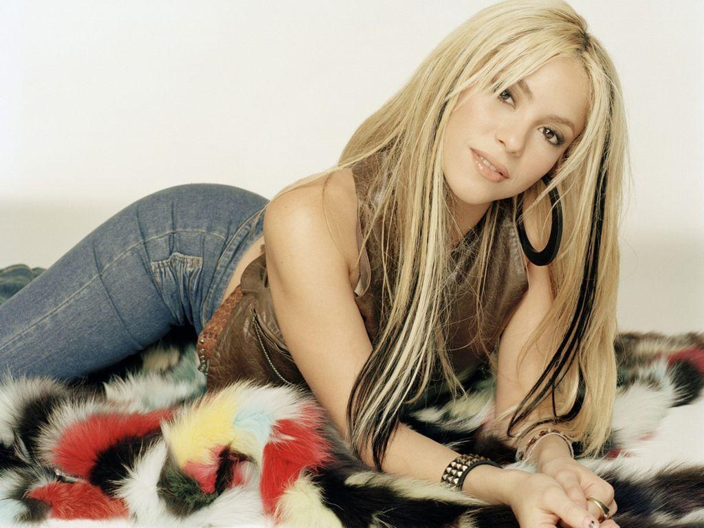 http://1.bp.blogspot.com/-Pv0DqDvdD_Q/UDVB5mM1lUI/AAAAAAAAFSA/cVHcdMV9ppE/s1600/Shakira-10.JPG