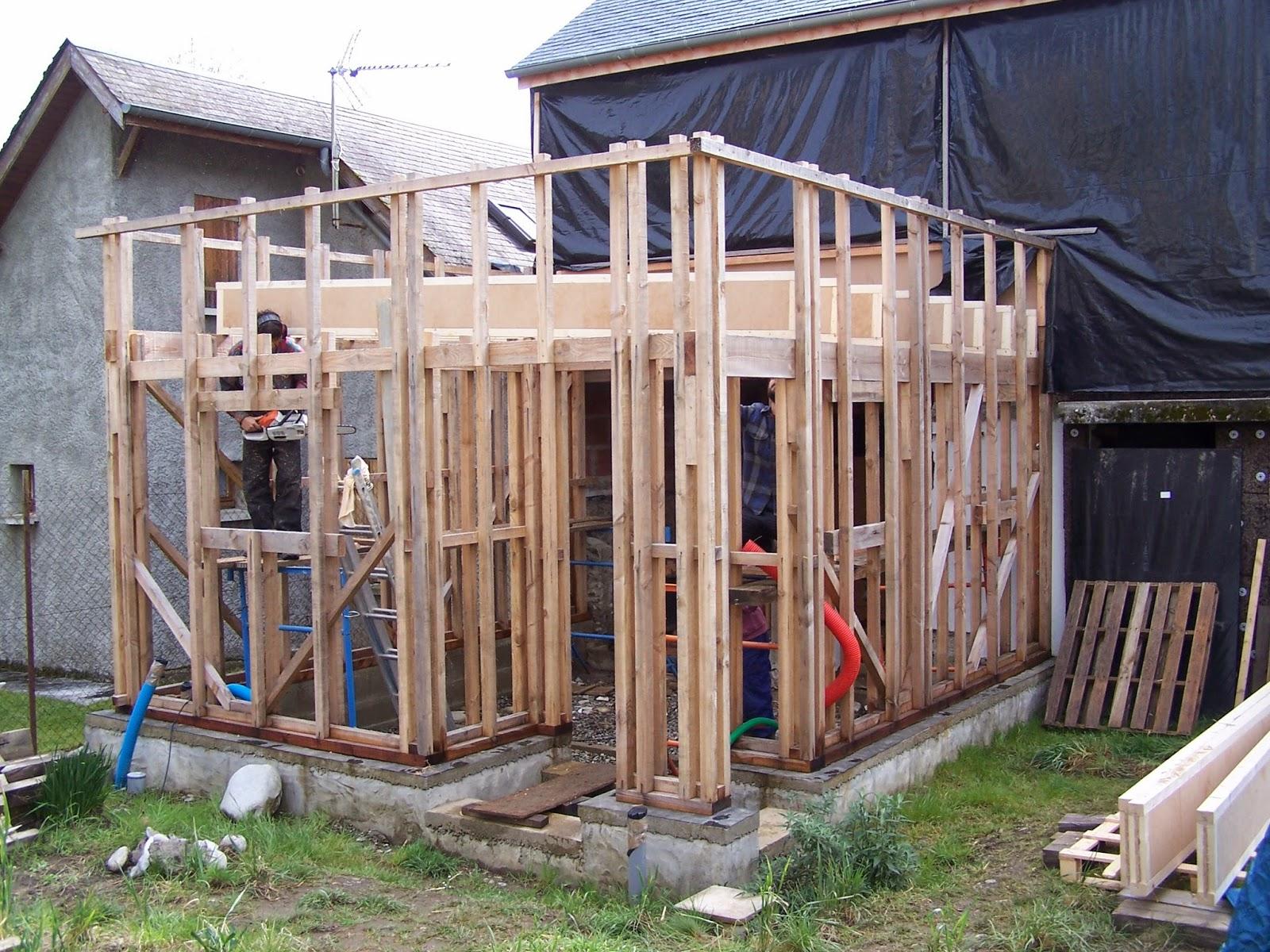 La petite maison du fond avril 2014 - Poutre espace ...