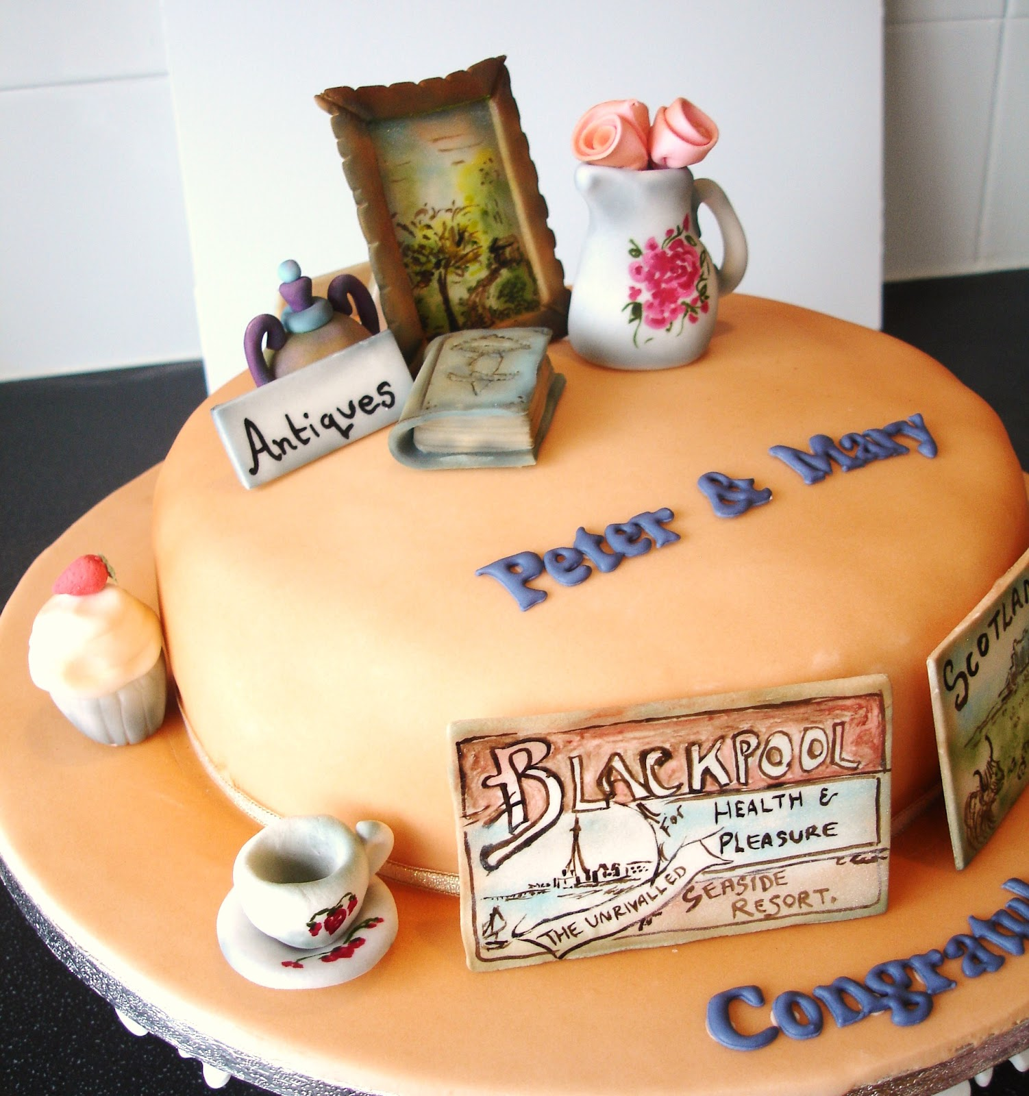 Priscilla\'s Cottage: Antique Wedding Party Cake.