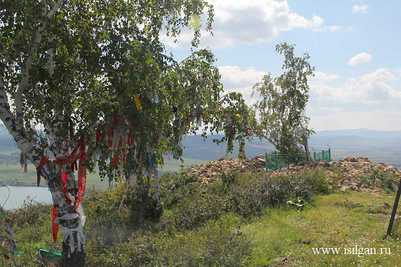 Гора Ауш-Таш. Источник святого Аулия. Деревня Старобайрамгулово. Республика Башкортостан.