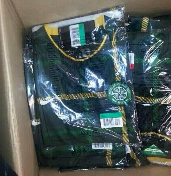 Celtic+14-15+Third+Kit.jpg