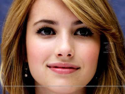 Emma Roberts HD Wallpaper