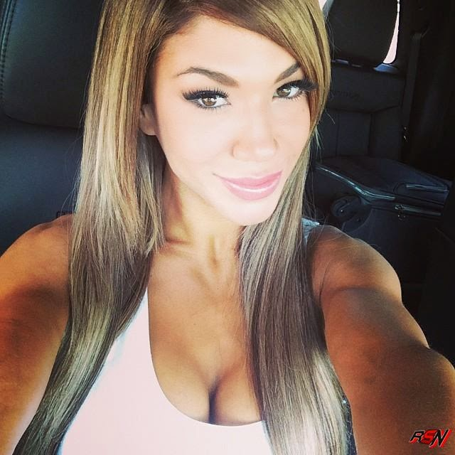 Rosa Mendes Looking Good on Her Way to Full Sail.