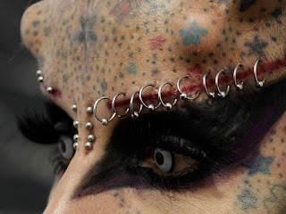 detalhe-Piercing-sobrancelha