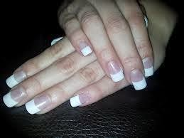 Classic-French-Natural-white-acrylics-tips-short-sport-length-and-round-shaped