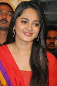 Anushka at rudramadevi trailer launch-thumbnail-13