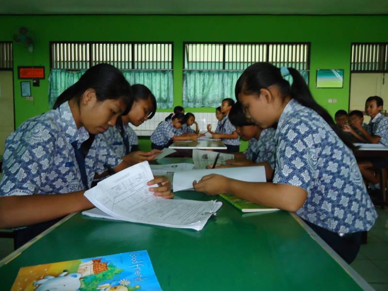 Smp Negeri 3 Bobotsari Bbi Ujian Nasional Bersama Kelas Ixc