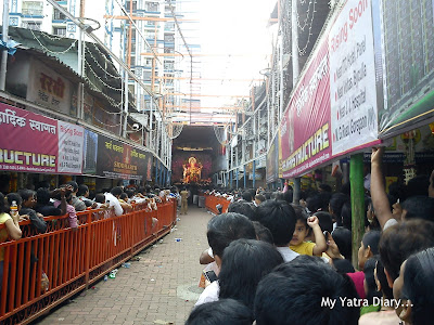 Long narrow queues to meet the Lalbaugcha Raja during Ganeshotsav