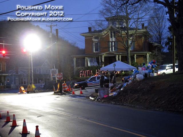 Image of memorial at foot of Sandy Hook School road.
