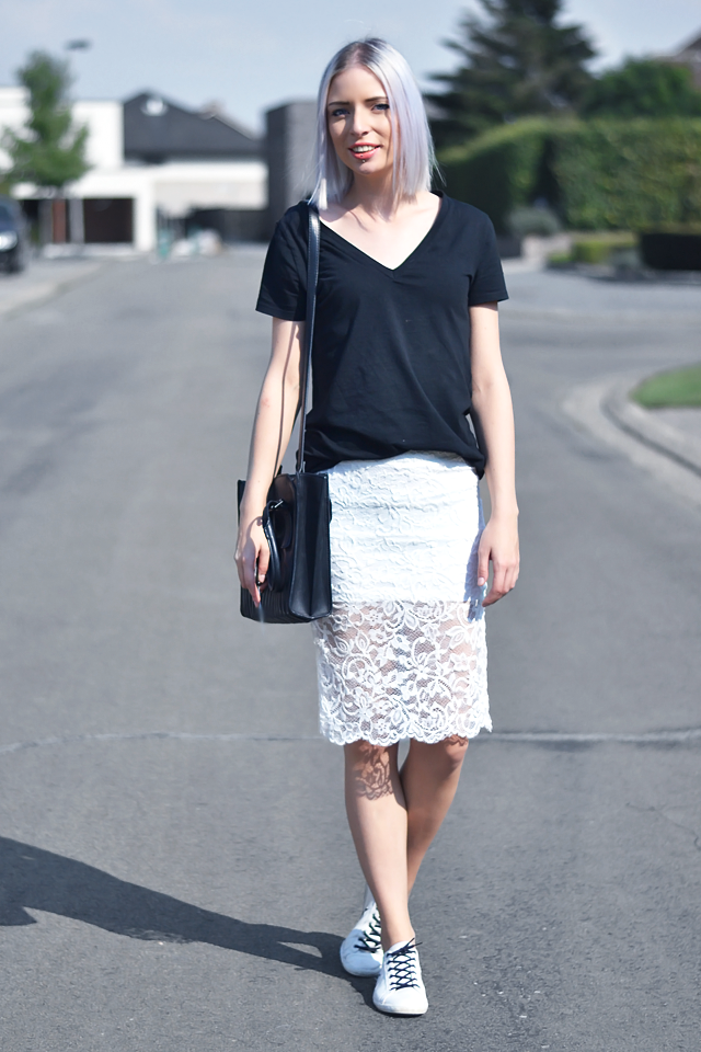 Turn it inside out: Lace pencil skirt