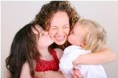 Poemas para Madres, poesías cortas. Feliz día de la madre. Dedicatorias para mamá, madre, mamita, mamacita. Poesías para ser recitadas por niños pequeños, cortas. Felicitaciones a mamá. Palabras lindas para la madre.