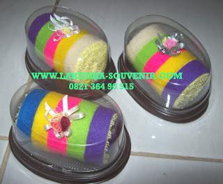 towel rainbow cake