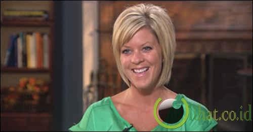 Melissa Nelson Dipecat Karena Terlalu Cantik