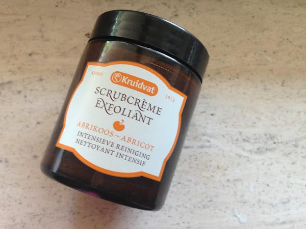 Kruidvat scrubcrème abrikoos.