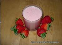 http://www.momrecipies.com/2008/06/strawberry-smoothie.html