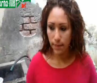 Doña Meche Chupándosela al Vecino en los Lavaderos