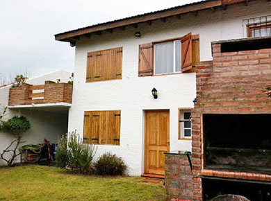 Villa gesell alquilar casas zona norte al due o for Piletas de agua salada en zona sur