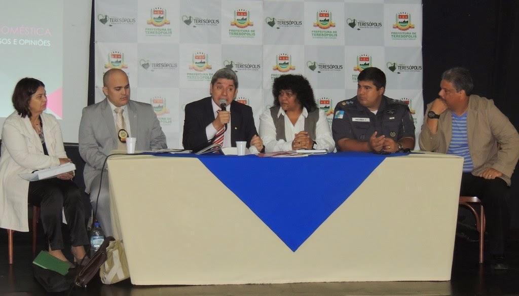 Reunião do Conselho dos Direitos da Mulher de Teresópolis debate a violência doméstica